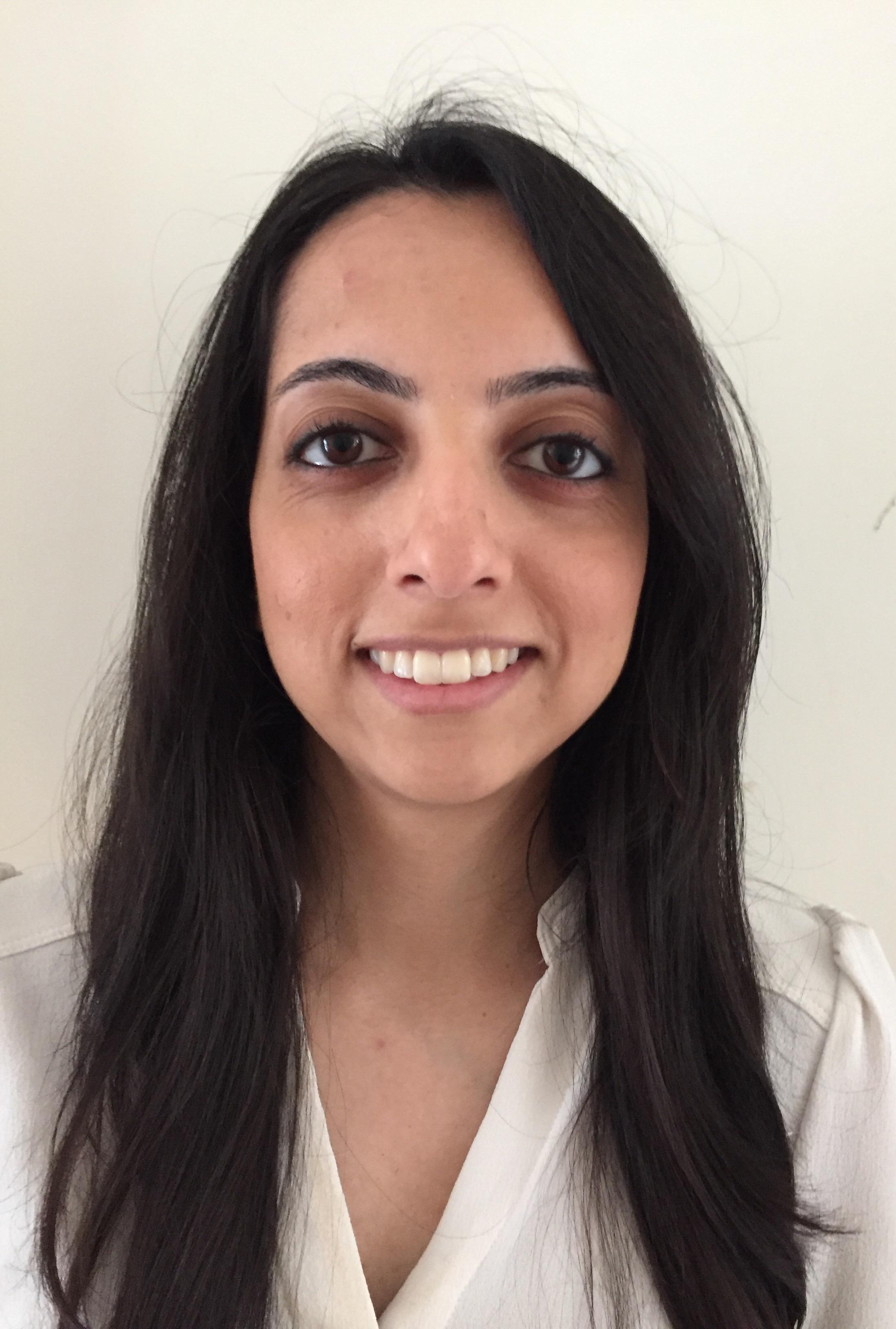 Dr Farzana Vanat